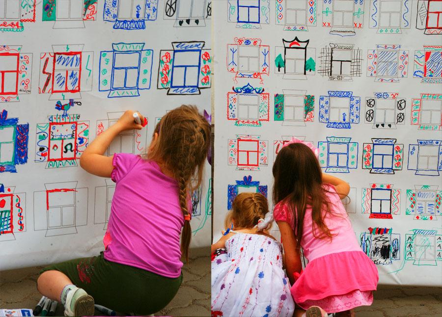 В рисовании наличников принимали участие даже дети