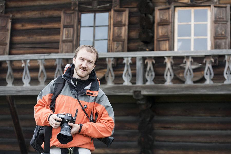 Фотограф Иван Хафизов в Кижах на съемке