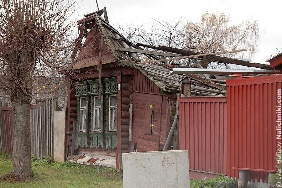 Полуразрушенный дом в Шуе