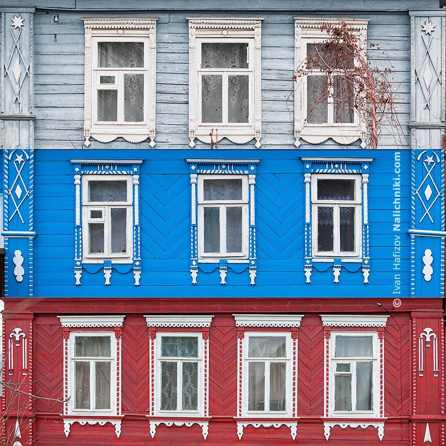 Коллаж составленный из оконных наличников трех деревянных домов