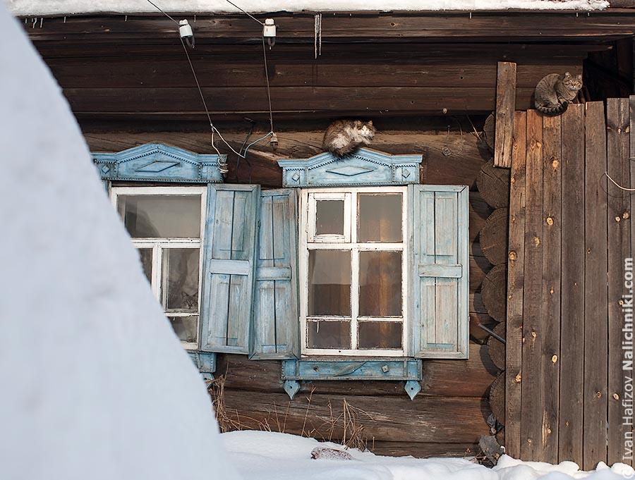 Наличники со ставнями зимуют в Алапаевске