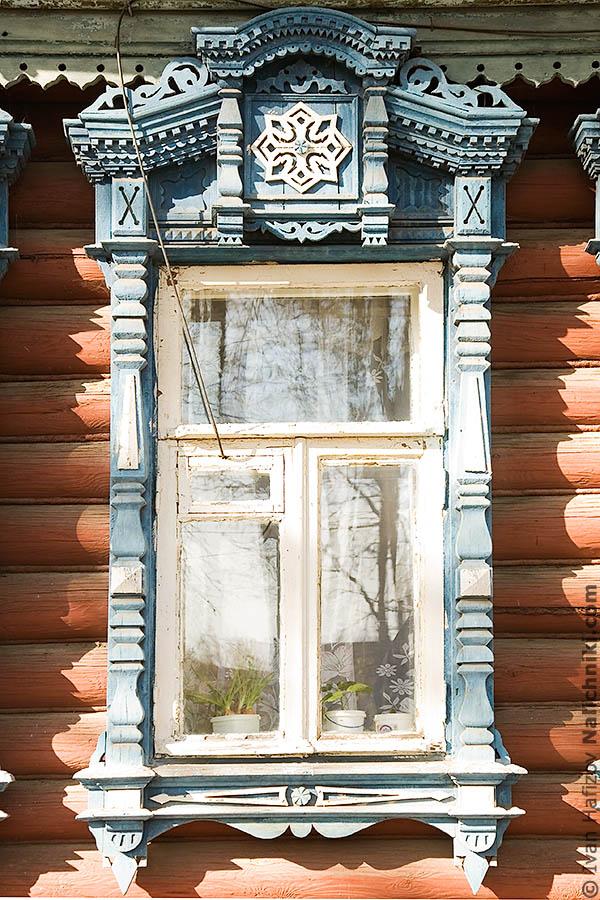 Массивный деревянный Ковровский наличник