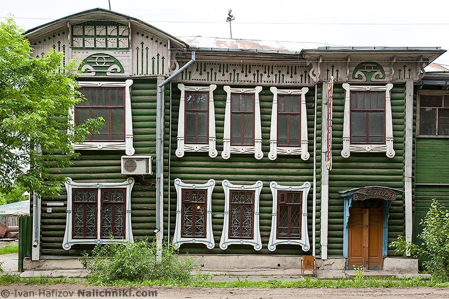 Деревянный дом в модерне