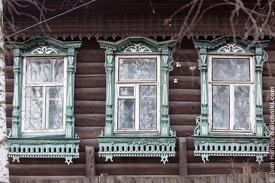 Классический деревянный наличник из Тверской области
