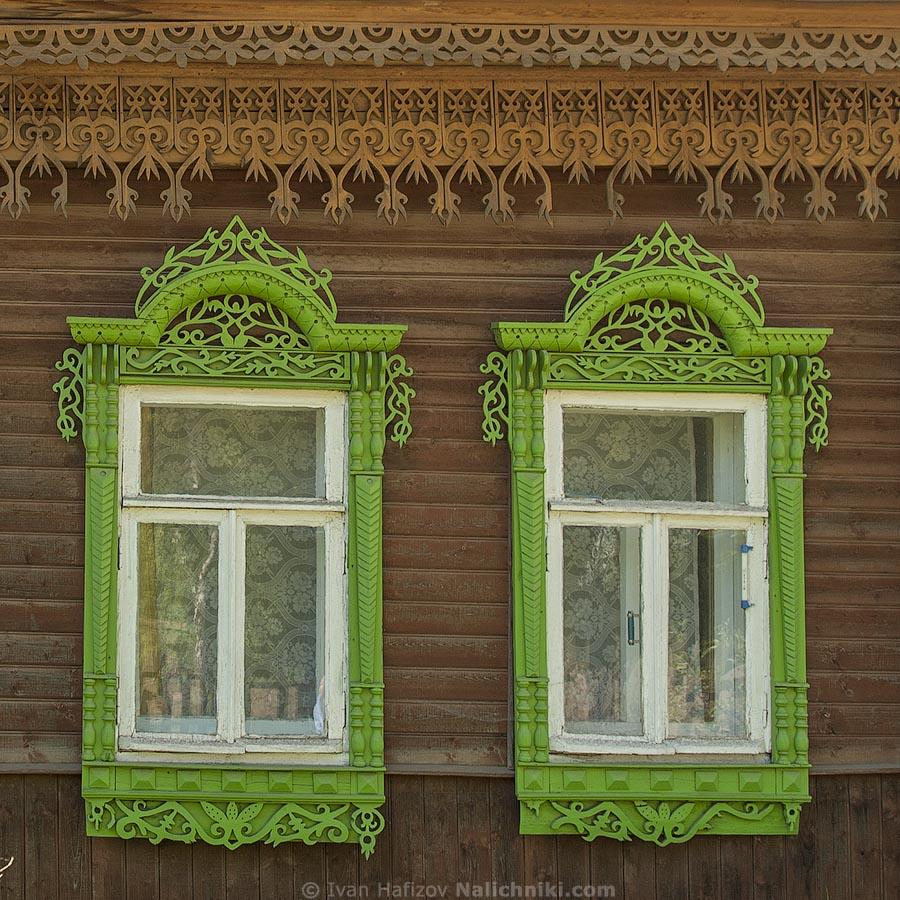 Два деревянных наличника из Костромы