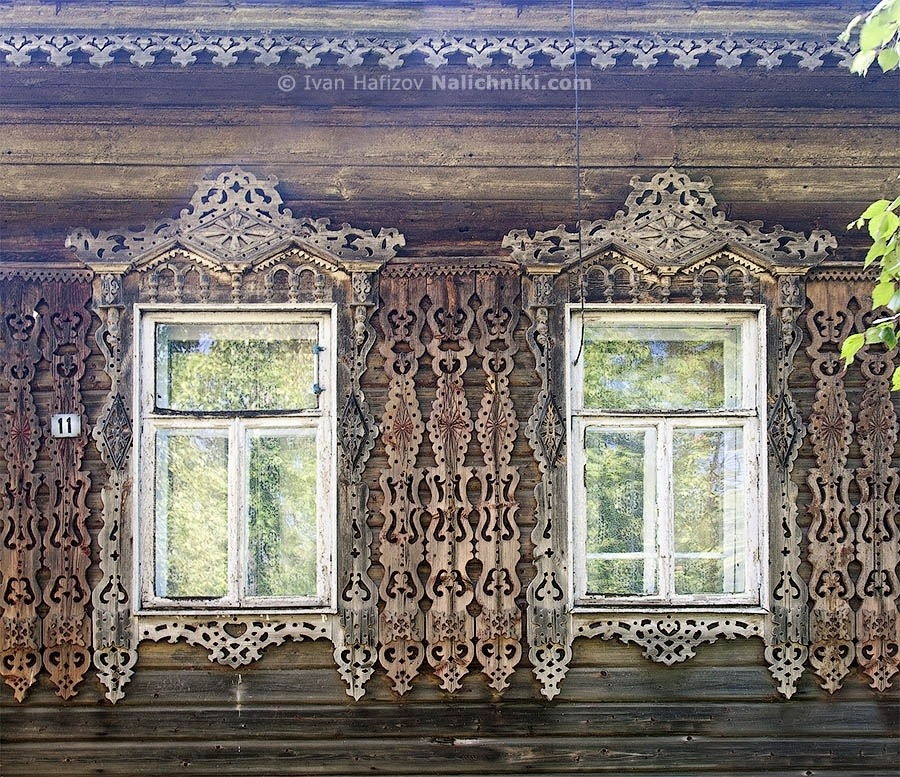 Nalichniki (old decorative Russian window frames) in Rostov Veliky