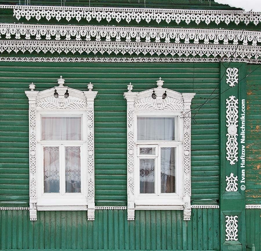 Traditional Russian windows frames and FOUR carved friezes.