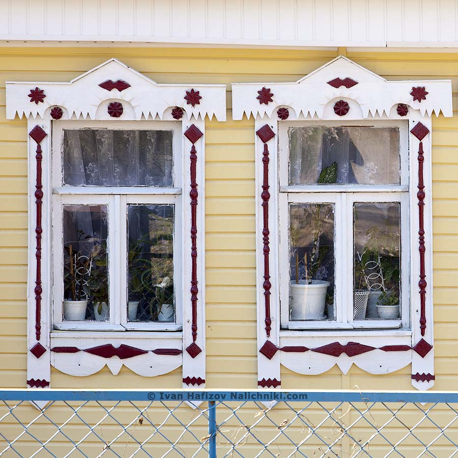 Ornate wooden frames in Kovrov