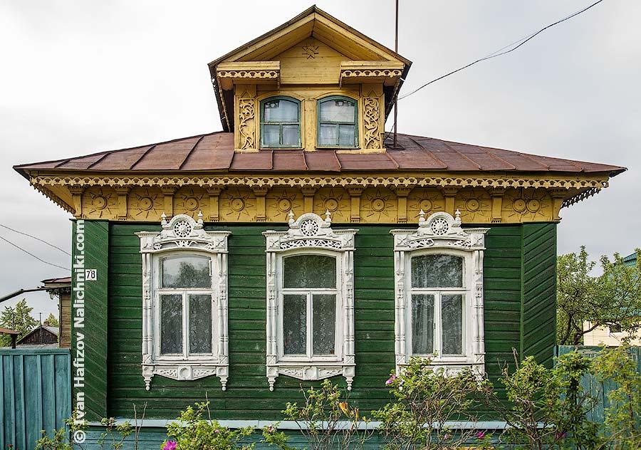 Резные наличники и мезонин из Ростова Великого