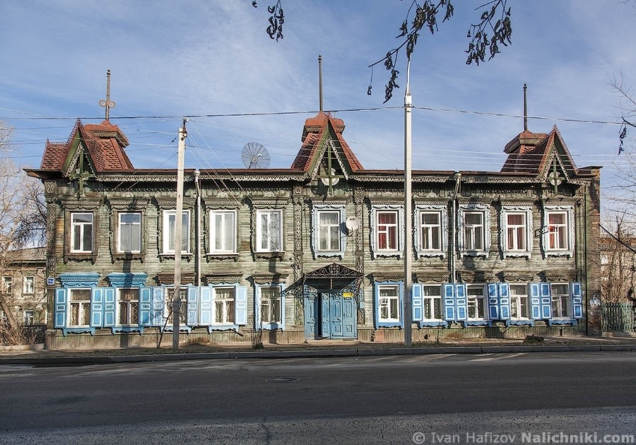 Wooden house decorated with fretwork in Irkutsk