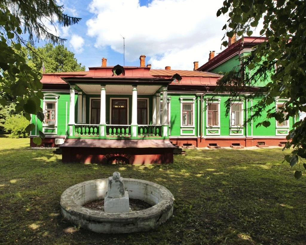 A wooden house of administration in Pereslavl-Zalessky