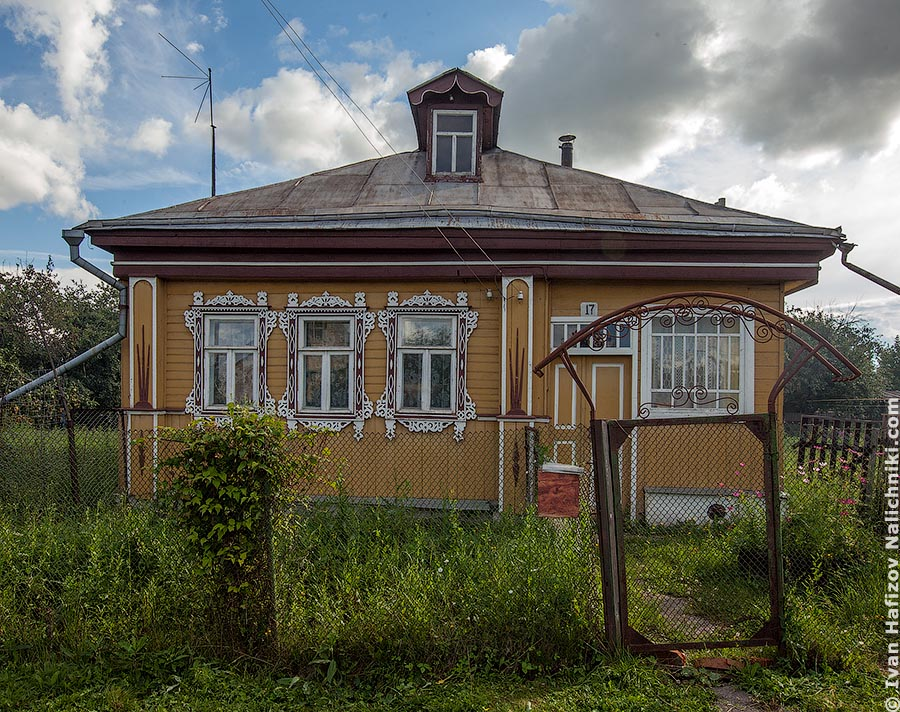 Wooden house with fretwork from Stavrol, Vladimir area