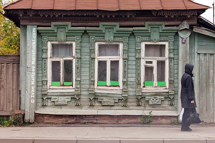 Дом в Иваново  с тремя окнами на улицу.