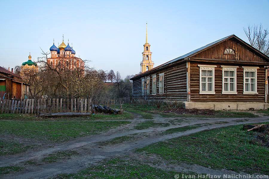 Вид на Рязанский кремль с острова