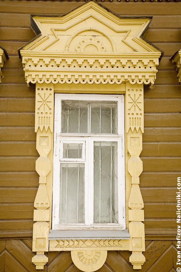 Оконный наличник в русском стиле