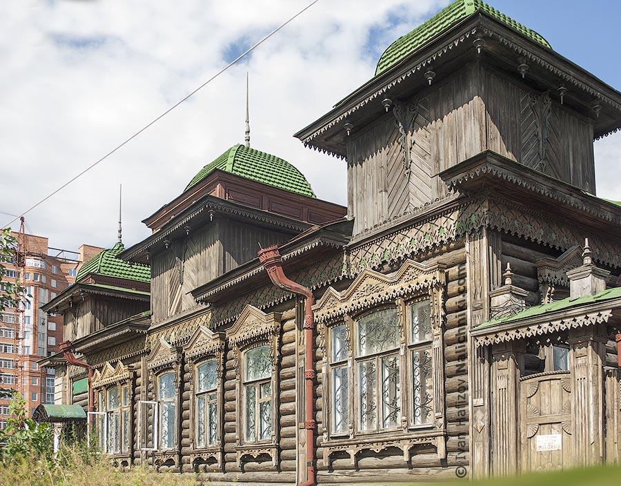 Загадочный резной дом из Челябинск