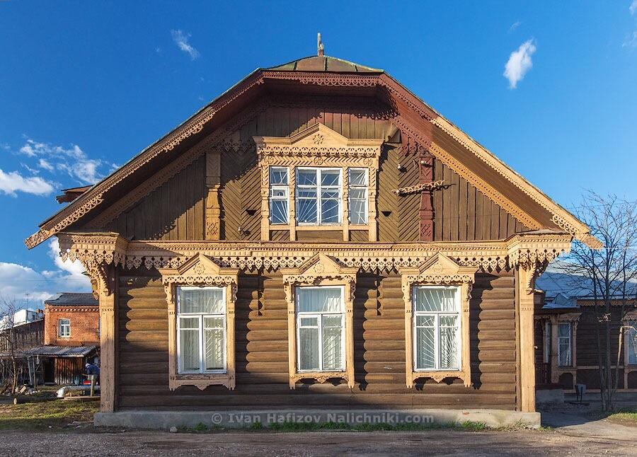 красивый деревянный дом из Углича