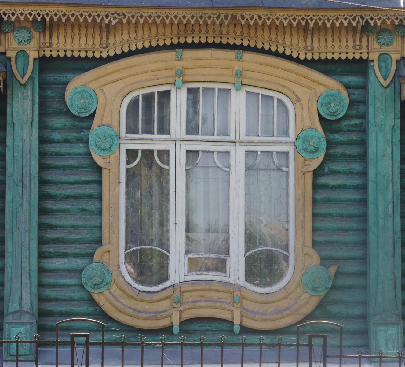 Окно с особняка Шорина в Гороховце