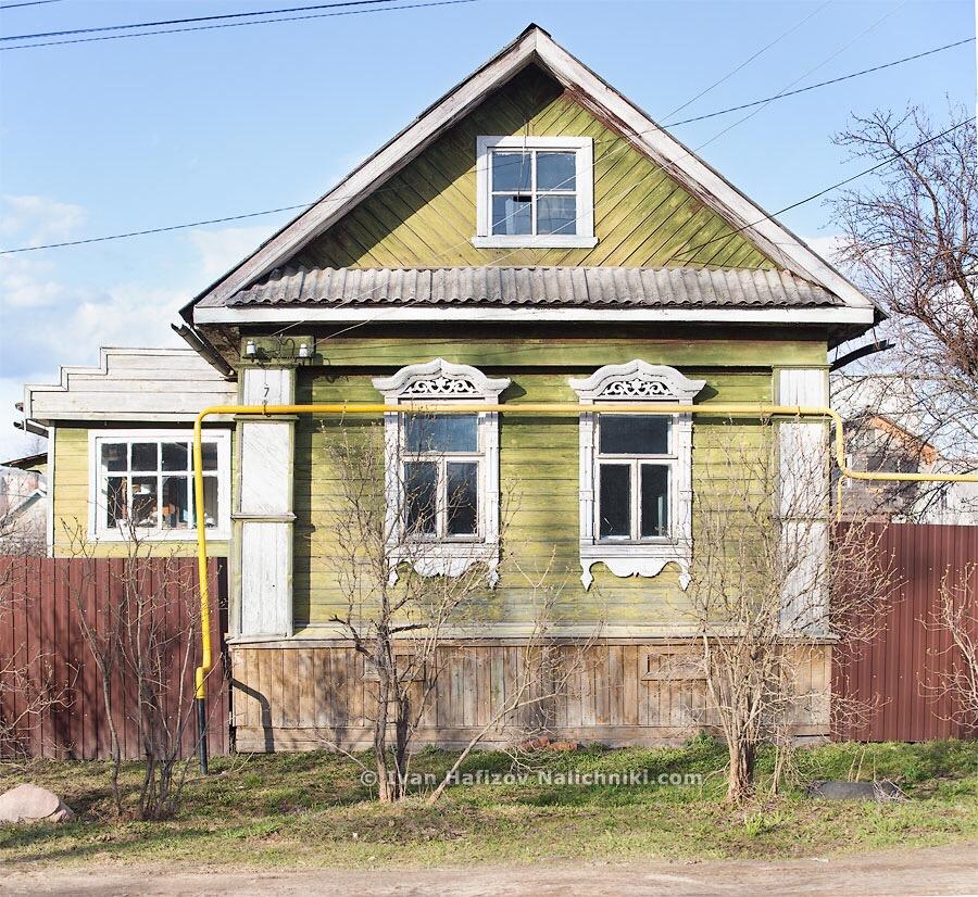 Дом с резными наличниками в Угличе