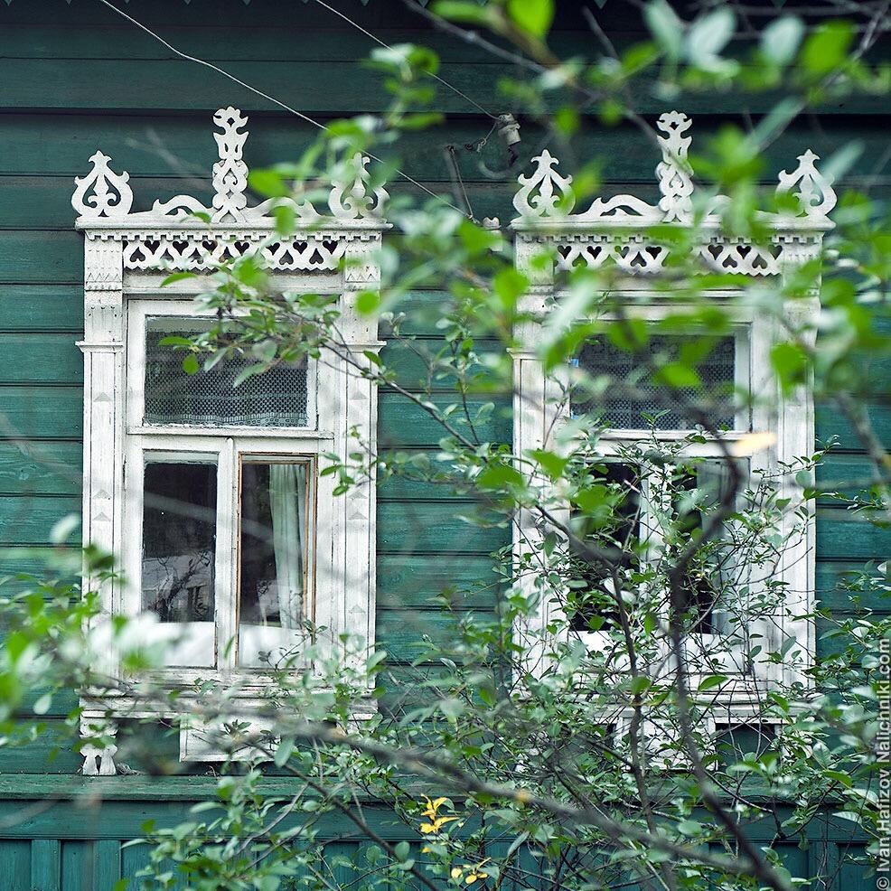резные оконные наличникм в Ярославской области. поселок Борисоглебский
