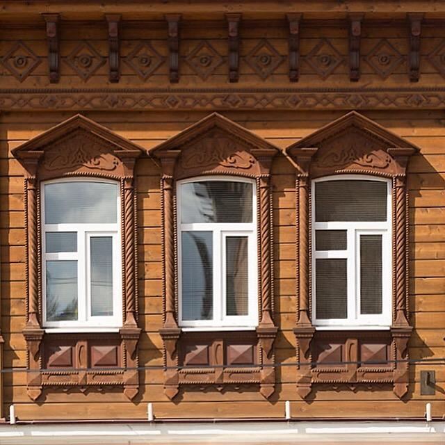 резные оконные наличники купеческого дома в Павловском Посаде
