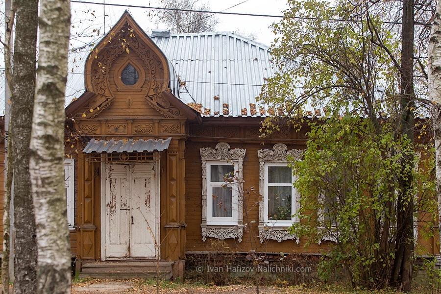 старинный деревянный дом в Сергиевом Посаде, на улице Бульварной