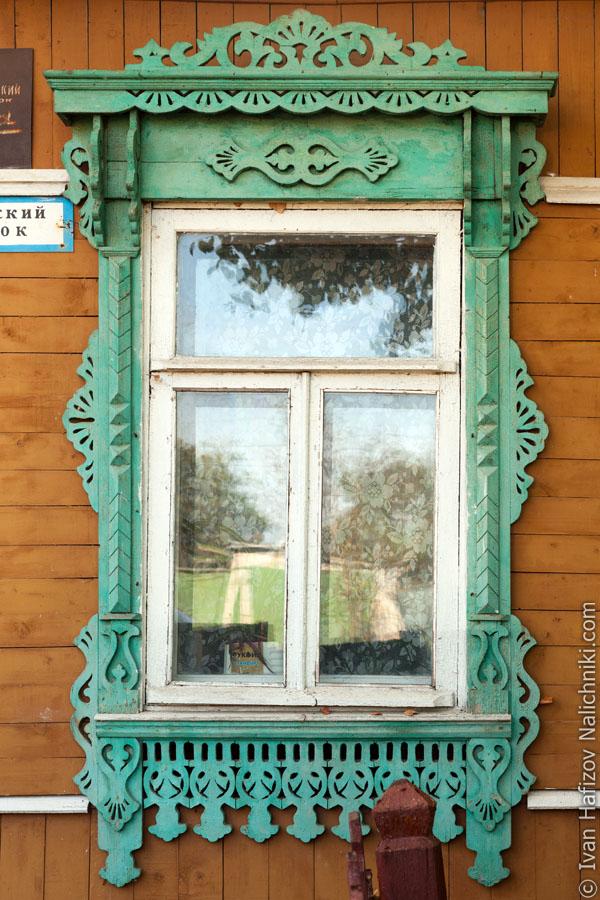 Резной оконный деревянный наличник из Малоярославца