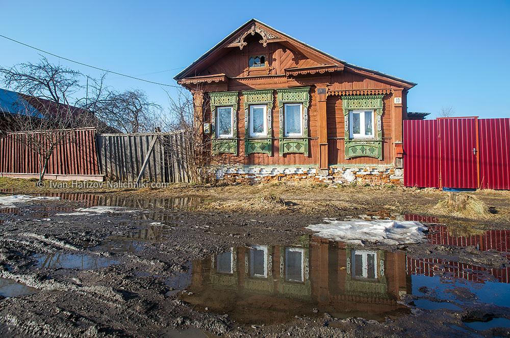 Деревянный дом с резными наличниками. Тейково Ивановской области