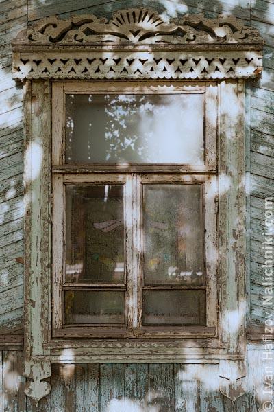 Деревянный оконный наличник из Калуги, столице Калужской области.