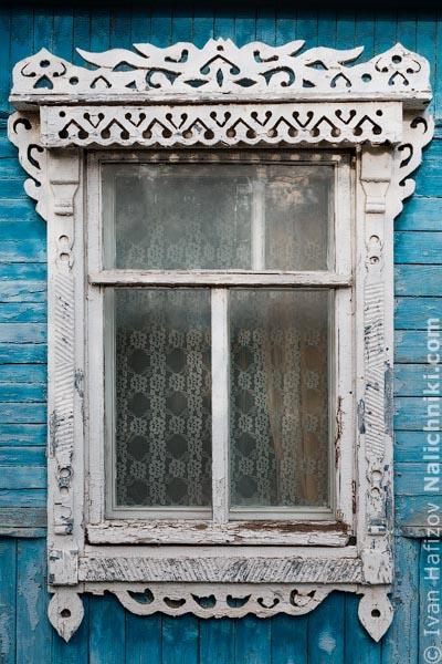 Деревянный оконный наличник из Калуги, столицы Калужской области области.
