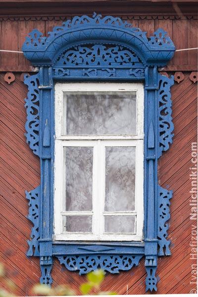 Резной оконный деревянный наличник. Из Кинешмы Ивановской области.