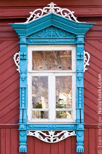 Резной оконный деревянный наличник. Из Шуи Ивановской области