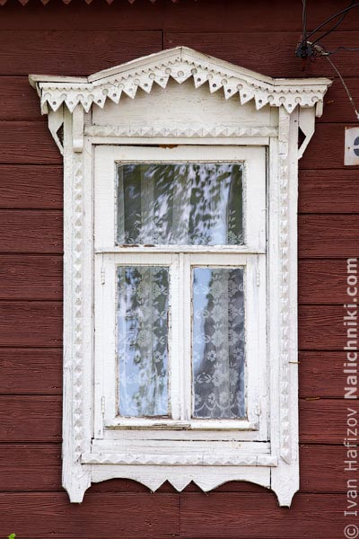 Традиционный оконный наличник Рязанской области. Спасск Рязанский.