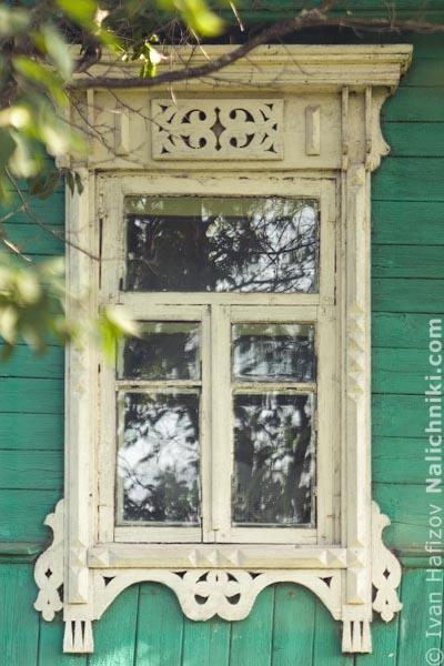 Деревянный оконный наличник без ставень. Из Наро-Фоминска Московской области