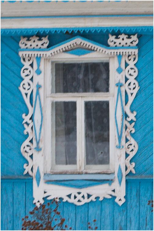 Деревянный оконный наличник из Гороховца Владимирской области.